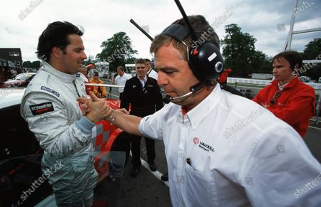 2001 British Touring Car Championship Derek Warwick and Yvan Muller Oulton Park, England. 19th-20th May 2001. World Copyright - LAT Photographic