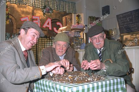 'peter Sallis Bill Owen And Brian Wilde As Clegg Compo And Foggy In The Television Programme Last Of The Summer Wine. Counting Money ......bill Owen Died 12/7/1999......