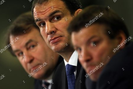 England Rubgy Union Press Conference At Twickenham - Martin Johnson (c) The New England Mananger With Francis Baron (l) And Rob Andrew (r).