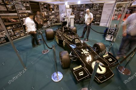 NEC, Birmingham. 11th January 2009. Visitors admire the ex Ronnie Peterson Lotus 72 on the LAT Photographic stand. World Copyright: Drew Gibson/LAT Photographic