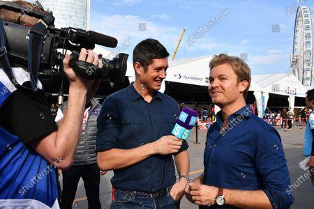 2017/2018 FIA Formula E Championship. Round 1 - Hong Kong, China. Saturday 02 November 2017. TV Presenter Vernon Kaye, and Nico Rosberg in the paddock. Photo: Mark Sutton/LAT/Formula E