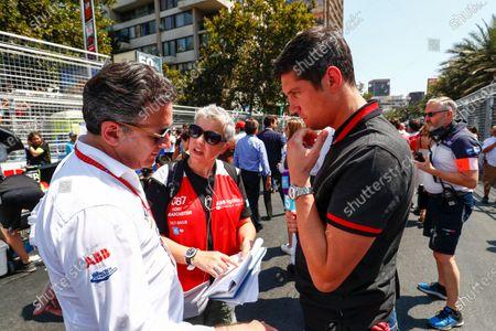 2017/2018 FIA Formula E Championship Round 4 - Santiago ePrix Santiago, Chile Saturday 03 February 2018 Alejandro Agag, CEO, Formula E, talks to TV Presenter Vernon Kaye.  Photo: Sam Bloxham/LAT/Formula E