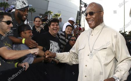 """Tommy 'Tiny' Lister greets fans as he arrives at the Los Angeles premiere of """"Straight Outta Compton"""" at the Microsoft Theater. Tommy """"Tiny"""" Lister, a former wrestler who was known for his Deebo character in the """"Friday"""" films, has died. He was 62. Lister manager, Cindy Cowan, said Lister was found unconscious in his home in Marina Del Rey, California, on Thursday, Dec. 10, 2020. He was pronounced dead at the scene"""