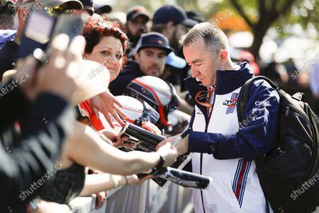Paddy Lowe, Williams Martini Racing Formula 1, signs an autograph.