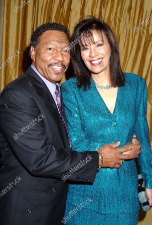 Singer Billy Davis Jr. and wife Marilyn McCoo and Celebrities attend an Evening with Larry King black tie benefit to aid the  Larry King Cardiac Foundation at the Regent Beverly Wilshire Hotel in Beverly Hills, Ca