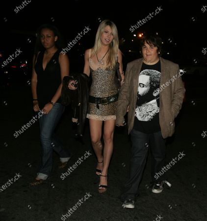 MTV's Andy Milonakis with a couple of girls and Chris Sligh of American Idol head to Les Deux Nightclub in Hollywood, Ca