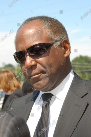 Celebrities including Richard Roundtree who played Shaft along with fellow Scientologist Kelly Preston Wife of John Travolta were among the crowd of 2,000 who attended a three-hour memorial service for Isaac Hayes at the House of Hope Presbyterian Church in Cordova, Tennessee on August 18, 2008 The legendary Stax Records songwriter and performer died on Aug. 10 at the age of 65, the result of an apparent stroke.