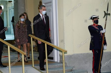 Spain's King Felipe VI (C-right) and Leonor, Princess of Asturias (C-left) are pictured prior to chairing the meeting of the patronage of Girona's Princess Foundation at El Pardo palace near Madrid city, central Spain, 11 December 2020. The Prince of Girona Foundation was created in 2009 by a group of Catalan businesspeople and financiers, with the patronage of Felipe, then heir to the throne. Prince/princess of Girona is one of the titles of the Spanish heir apparent. The organisation aims to 'support young people in their professional and personal development' through a number of initiatives, including the prizes, which it awards yearly in five categories: Arts and Letters, Social, Entity, Scientific Research and Business.