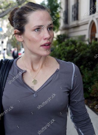 Jennifer Garner looking the picture of beauty as she heads to Chris McMillan Hair Salon in Beverly Hills, Ca with her hair tied up in a bun and emerges a couple of hours later with it down and flowing after having it cut washed and blow dryed and then heading home The salon that she went to is also the hair stylist of choice for Jennifer Aniston and a few other top notch celebrities