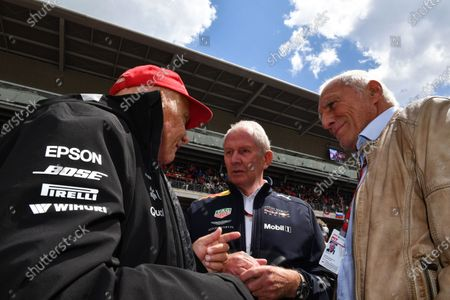 Niki Lauda (AUT) Mercedes AMG F1 Non-Executive Chairman, Dr Helmut Marko (AUT) Red Bull Motorsport Consultant and Dietrich Mateschitz (AUT) CEO and Founder of Red Bull on the grid