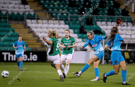 Cork City vs Peamount United. Peamount's Stephanie Roche scores her second goal