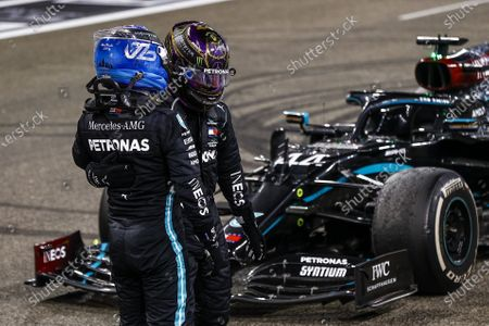Valtteri Bottas, Mercedes-AMG Petronas F1, congratulates Lewis Hamilton, Mercedes-AMG Petronas F1  during the 2020 Formula One Abu Dhabi Grand Prix