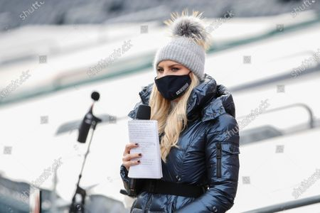 Sideline reporter Melanie Collins before an NFL football game between the Chicago Bears and Houston Texans, in Chicago