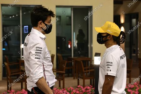 Toto Wolff, Executive Director (Business), Mercedes AMG, and Lewis Hamilton, Mercedes-AMG Petronas F1 during the 2020 Formula One Abu Dhabi Grand Prix