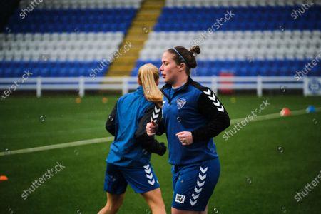 Sarah Wilson (#5 Durham) warms-up