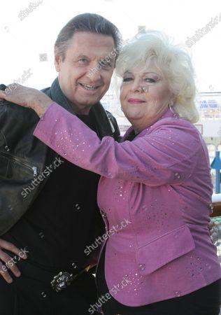 Joseph Bologna and Renee Taylor on board the Carnival Imagination