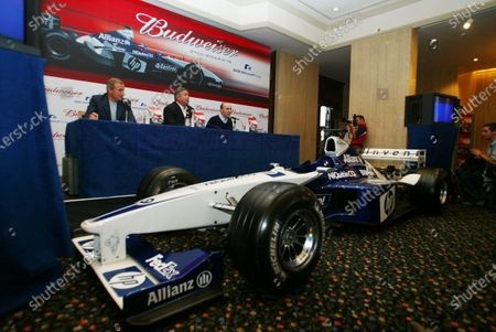 Stock Picture of (L to R): Jim Rosenthal (GBR), Tony Ponturo (USA) and Frank Williams (GBR) Williams Team Principal  BMW Williams F1 Team announce the official sponsorship of Anheuser-Busch and their Budweiser brand. 16 July 2003, London, England. DIGITAL IMAGE