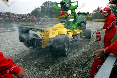 Giorgio Pantano (ITA) Jordan EJ14 span out of the race. Formula One World Championship, Rd15, Italian Grand Prix, Race Day, Monza, Italy, 12 September 2004. DIGITAL IMAGE