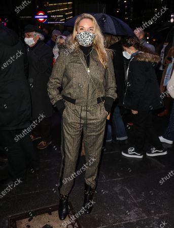 Tamzin Outhwaite wearing a face mask