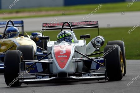 Andy Thompson (GBR) Hitech Racing. British Formula Three Championship, Donnington Park, England, 3-4 April 2004. DIGITAL IMAGE.