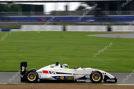 Andy Thompson (GBR) Hitech Racing. British Formula Three Championship, Silverstone,England, 12-15 August 2004. DIGITAL IMAGE.