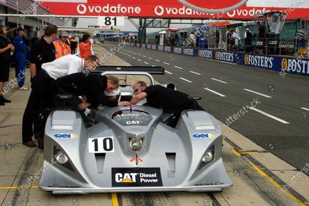 Calum Lockie (GBR) Taurus Sports Racing Lola B2K/10B Caterpillar. Le Mans Endurance Series, Silverstone, England, 12-14 August 2004. DIGITAL IMAGE