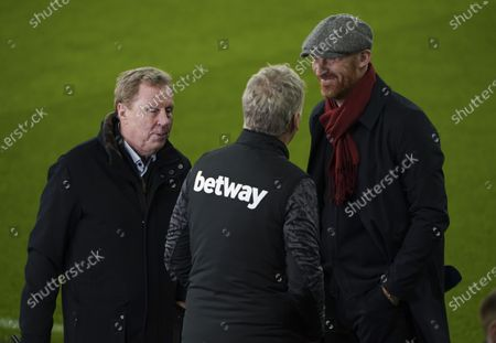 West Ham manager David Moyes talks to Harry Redknapp before the start of the match