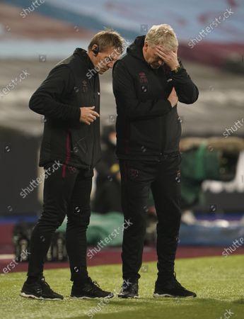 West Ham manager David Moyes and Stuart Pearce on the touchline
