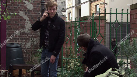Coronation Street - Ep 10206 & Ep 10207 Monday 28th December 2020  As Peter Barlow, as played by Chris Gascoyne, slumps to the ground, a panicky Daniel Osbourne, as played by Rob Mallard, calls for an ambulance.