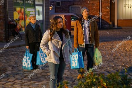 Coronation Street - Ep 10216 Wednesday 6th January 2021 - 2nd Ep David Platt's outraged to discover No.8's locks have been changed. Meanwhile Tim Metcalfe's, as played by Joe Duttine, dismayed when Ray reveals the Hale Barns project has been put on ice indefinitely so the Metcalfes can't move but must still vacate No.4. As Tim and Sally Metcalfe, as played by Sally Dynevor, fear being made homeless.