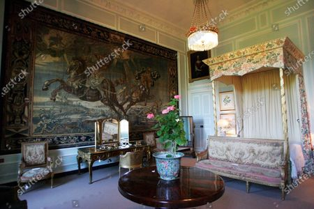 Auction of Easton Neston, home of Lord Alexander Hesketh (GBR).  Easton Neston, Towcester, England, 13 May 2005. DIGITAL IMAGE
