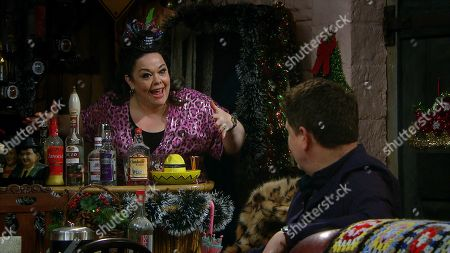 Emmerdale - Ep 8932 Thursday 31st December 2020 Mandy prepares for a boozy New Year, she's determined to see out 2020 on a high. Pictured - Mandy Dingle, as played by Lisa Riley ; Paul Ashby, as played by Reece Dinsdale.