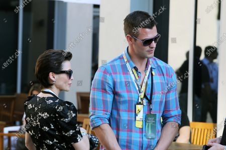Dannii Minogue (AUS) and Kris Smith (GBR) Model and ex-professional rugby league player. Formula One World Championship, Rd 18, Abu Dhabi Grand Prix, Race Day, Yas Marina Circuit, Abu Dhabi, UAE, Sunday 13 November 2011.  BEST IMAGE