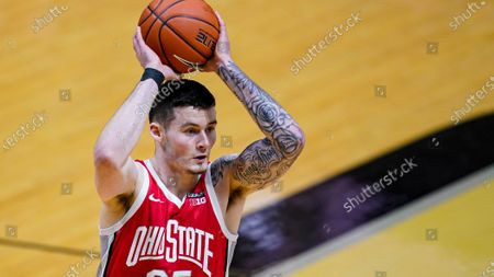 Ohio State forward Kyle Young (25) plays against Purdue during the first half of an NCAA college basketball game in West Lafayette, Ind