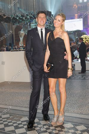 (L to R): Vernon Kay (GBR) and Tess Daley (GBR). Great Ormond Street Hospital Grand Prix Party, Natural History Museum, London, 6 July 2010.