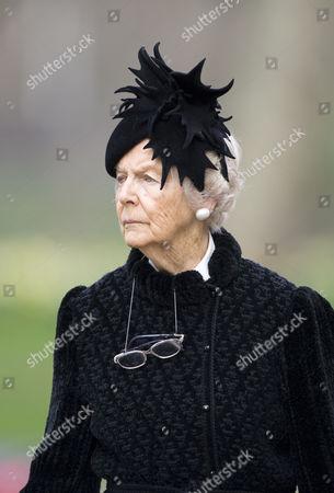 Deborah Vivien Cavendish, Dowager Duchess of Devonshire