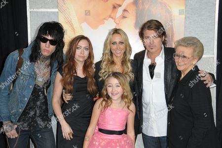 Trace Cyrus, Brandi Cyrus, Tish Cyrus, Noah Cyrus and Billy Ray