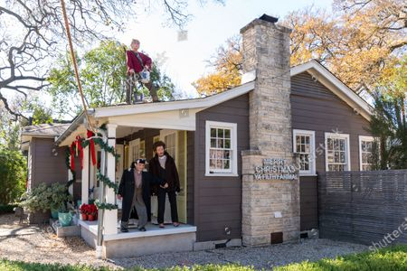 Kevin Urrutia-O'Reilly and wife Alex Moreland created an impressive display of Christmas decorations in homage to the film, 'Home Alone' in Austin, Texas.  Using a 3D printer,, they plastered faces on mannequins to recreate the villains Harry and Marv, as well as Kevin McCallister, played by actor Macaulay Culkin.