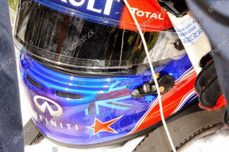 A star in tribute to Maria de Villota (ESP) on the helmet of Mark Webber (AUS) Red Bull Racing. Formula One World Championship, Rd15, Japanese Grand Prix, Race Day, Suzuka, Japan, Sunday 13 October 2013.