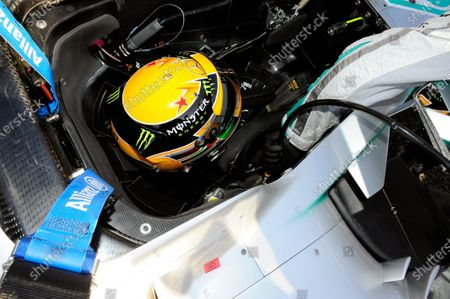 A star in tribute to Maria de Villota (ESP) on the helmet of Lewis Hamilton (GBR) Mercedes AMG F1. Formula One World Championship, Rd15, Japanese Grand Prix, Race Day, Suzuka, Japan, Sunday 13 October 2013.
