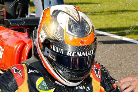 A star in tribute to Maria de Villota (ESP) on the helmet of Kimi Raikkonen (FIN) Lotus F1. Formula One World Championship, Rd15, Japanese Grand Prix, Race Day, Suzuka, Japan, Sunday 13 October 2013.