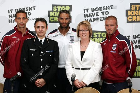 England Football Players Back The Governments Anti-knife Campaign. Pictured With The Home Secretary Jacqui Smith Are From Left; Rio Ferdinand Deputy Chief Commissioner Alfred Hitchcock David James And David Beckham At The Grove Hotel Rickmansworth Herts.