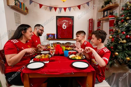 HOME GOAL With this Christmas marking the first year in the club's 142-year history that United fans will be unable to attend festive matches, Manchester United Buy Now, Pay Later partner Laybuy surprised Coventry-based club devotee Shaun Leahy and family with the club's first ever at-home Christmas hospitality experience. From the iconic Old Trafford terraces projected onto the walls of his home, to a Christmas dinner shared virtually with footballing legend Andy Cole, Shaun was treated to the VIP experience while watching the Red Devil's winning match against Sheffield United on Thursday night