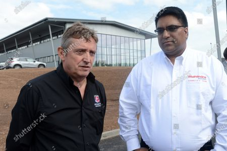 (L to R): David Sims (GBR) aaaaka David Beaky Sims with Dilbagh Gill (IND) Mahindra Team Principal. First Official Deliveries of Formula E Cars, Donington Park, England, Thursday 15 May 2014.