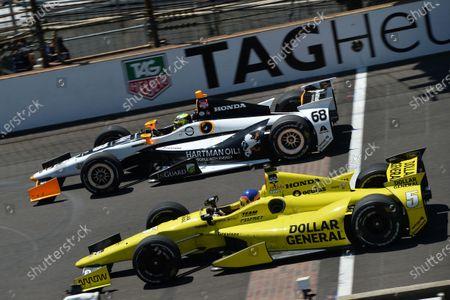 (L to R): Alex Tagliani (CDN) Sarah Fisher Hartman Racing and Jacques Villeneuve (CDN) Scmidt Peterson Motorsports. Verizon IndyCar Series, Rd4, Indianapolis 500, Indianapolis, USA, Sunday 25 May 2014.