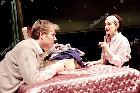 Stock Photo of Stephen Beckett (Mark), Anna Francolini (Elizabeth)