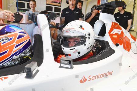 F1 Experiences 2-Seater passenger Guy Martin (GBR)