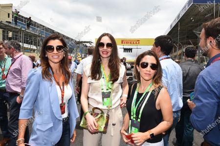 Fiorella Mattheis (BRA) Actress and Fabiana Ecclestone (BRA) on the grid at Formula One World Championship, Rd18, Brazilian Grand Prix, Race, Interlagos, Sao Paulo, Brazil, Sunday 15 November 2015.