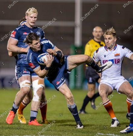 Sam James of Sale Sharks catches the ball; AJ Bell Stadium, Salford, Lancashire, England; European Champions Cup Rugby, Sale Sharks versus Edinburgh.