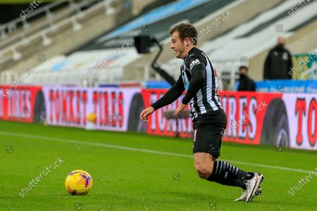 Ryan Fraser #21 of Newcastle United with the ball